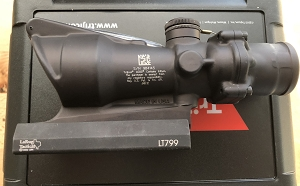 Trijicon ACOG 4x32 BAC Horseshoe Dot Reticle A4/M4 W/ LaRue Tactical Mount (LT799)